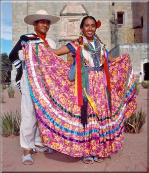 Costume typique de la tribu Mixtèque, Oaxaca, Mexique